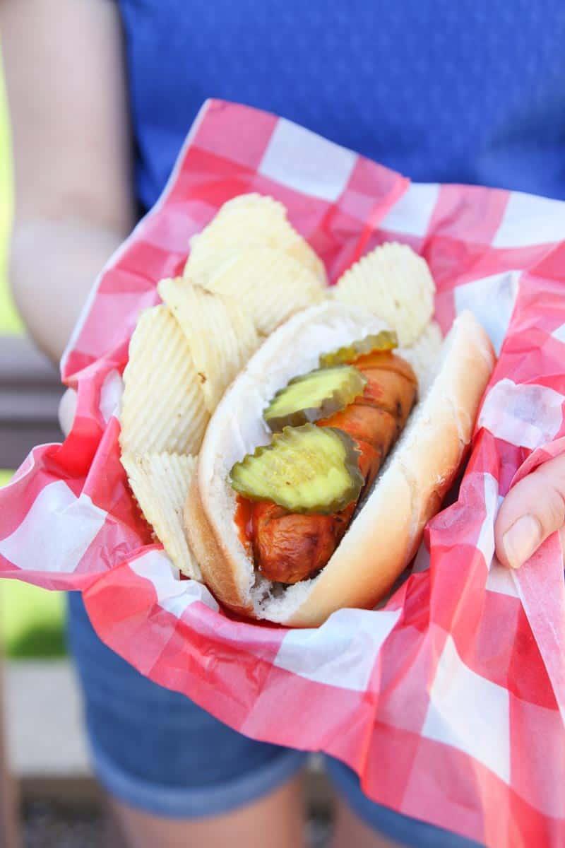 5 ingredient grilled hot chicken sausage - chicken dog recipe