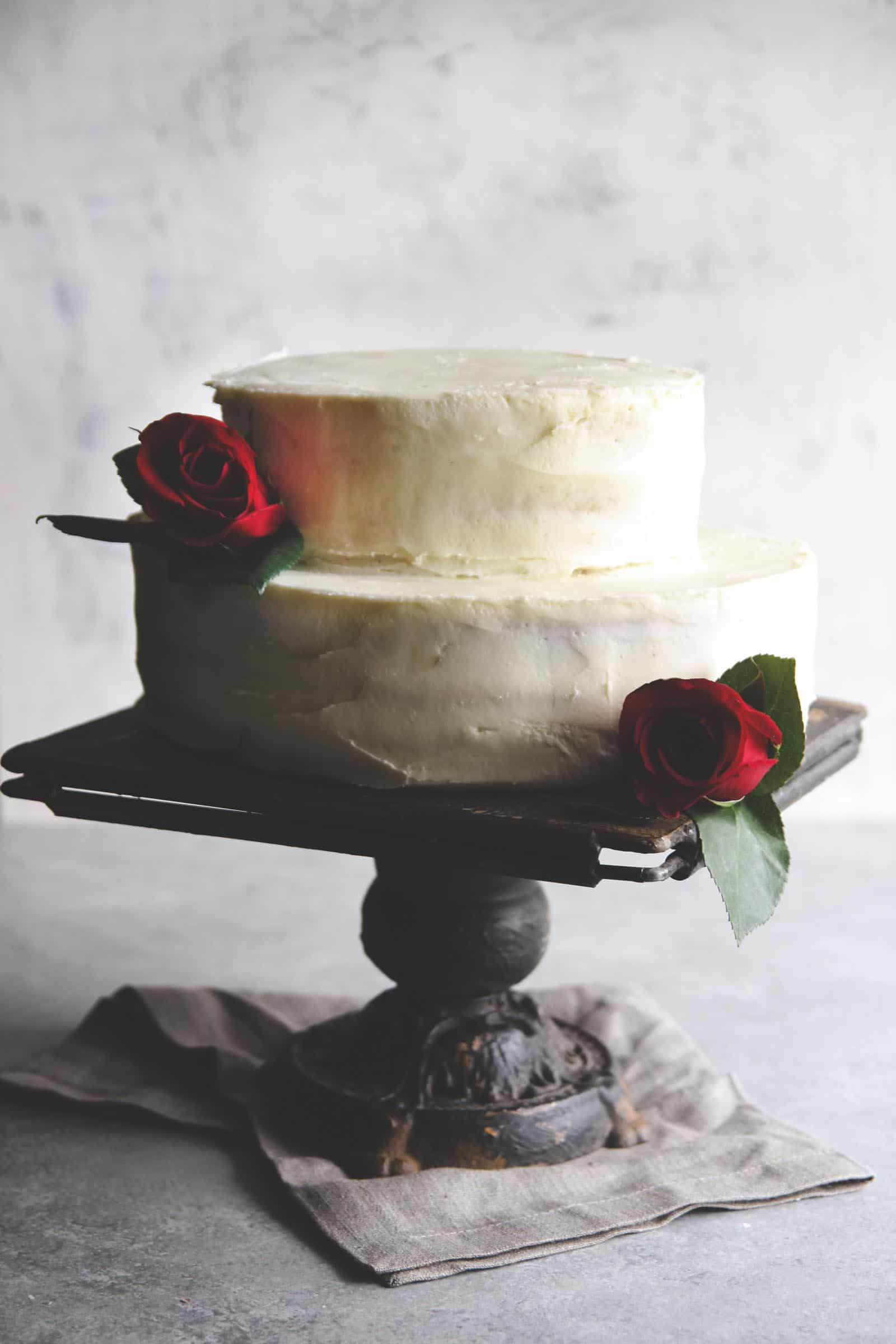 How to make the best rustic DIY wedding cake-white almond buttercream with strawberries