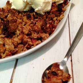 Five Ingredient Fridays – Peanut Butter Apple Crumble
