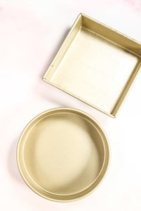 One circle and one square Gold Touch cake pan