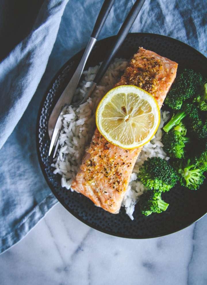 Easy baked salmon recipe, how to bake salmon, easy salmon recipe