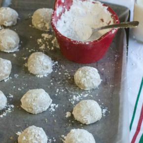 5 ingredient toasted pecan snowball cookies