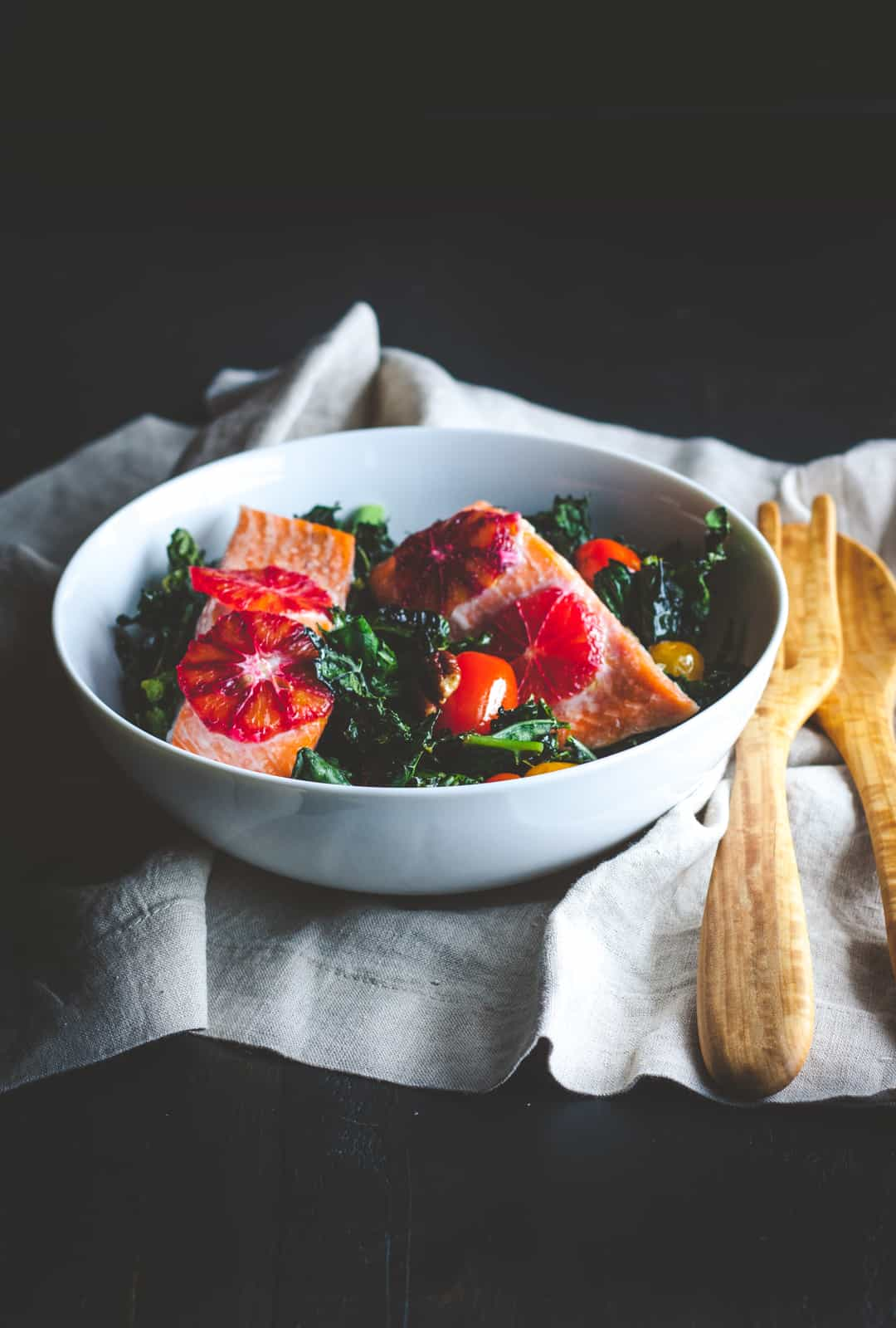One pan salmon detox salad recipe - salmon and kale salad - whole30 salmon sheetpan supper recipe, one pan dinner