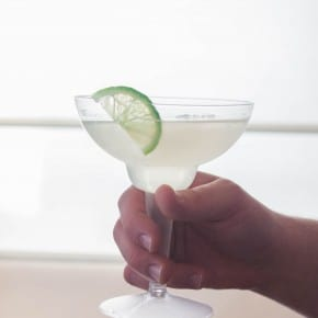 Classic margarita recipe - and how to make a margarita bar from @sweetphi