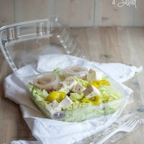 A cool trick for how to dress a salad