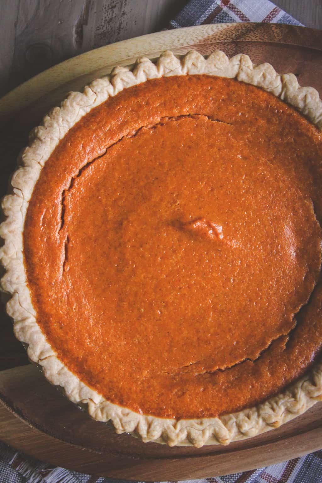 A super easy 5 ingredient pumpkin pie recipe
