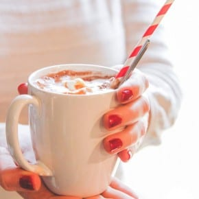 Hot chocolate recipe and hot to set up a hot cocoa bar from @sweetphi