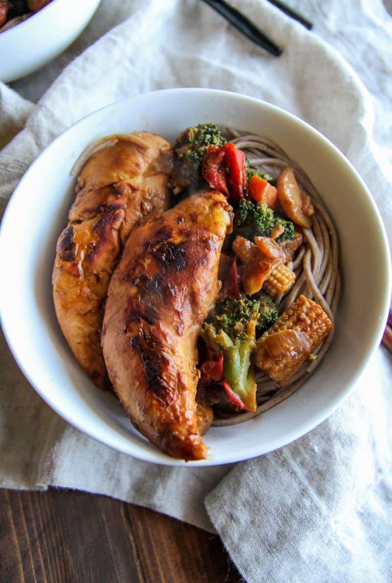 Chicken stir fry soba noodle bowls for easy and healthy meal planning