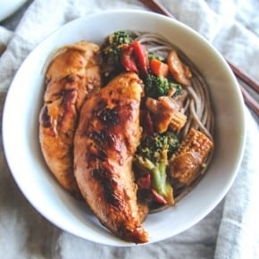 Chicken stir fry soba noodle bowls from @sweetphi