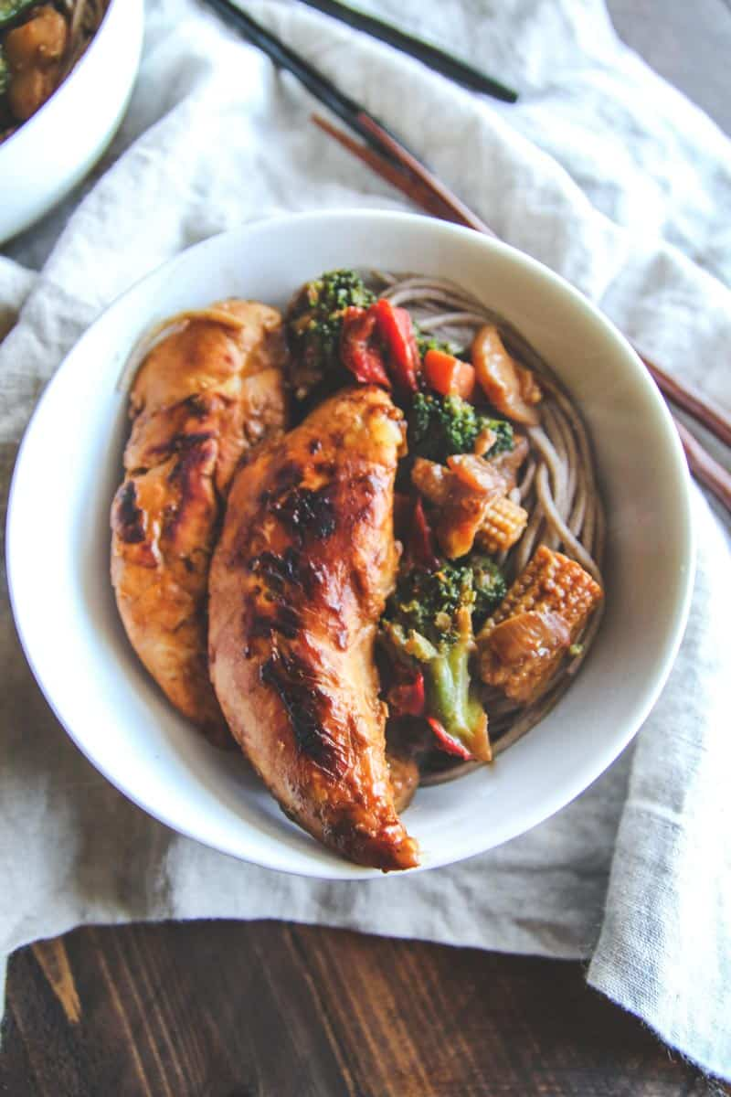 super delicious and healthy meal planning chicken stir fry soba noodle bowls
