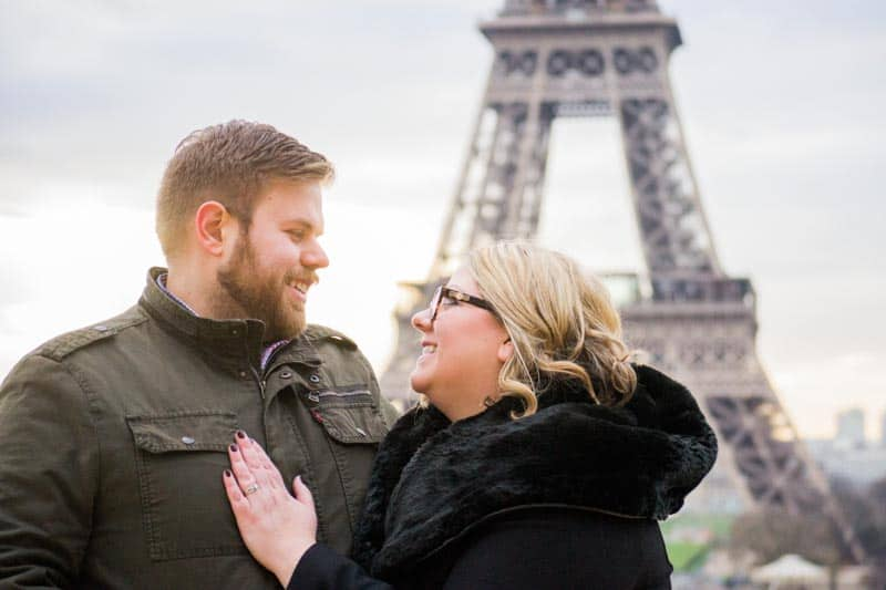 two ways of how to get great photos of you and your husband, and see the sights in Paris