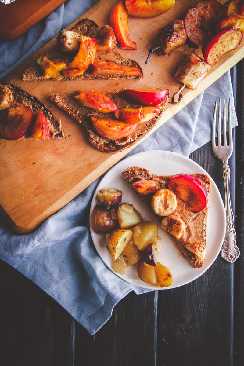 Grilled fruit and almond butter toasts for the best brunch ever