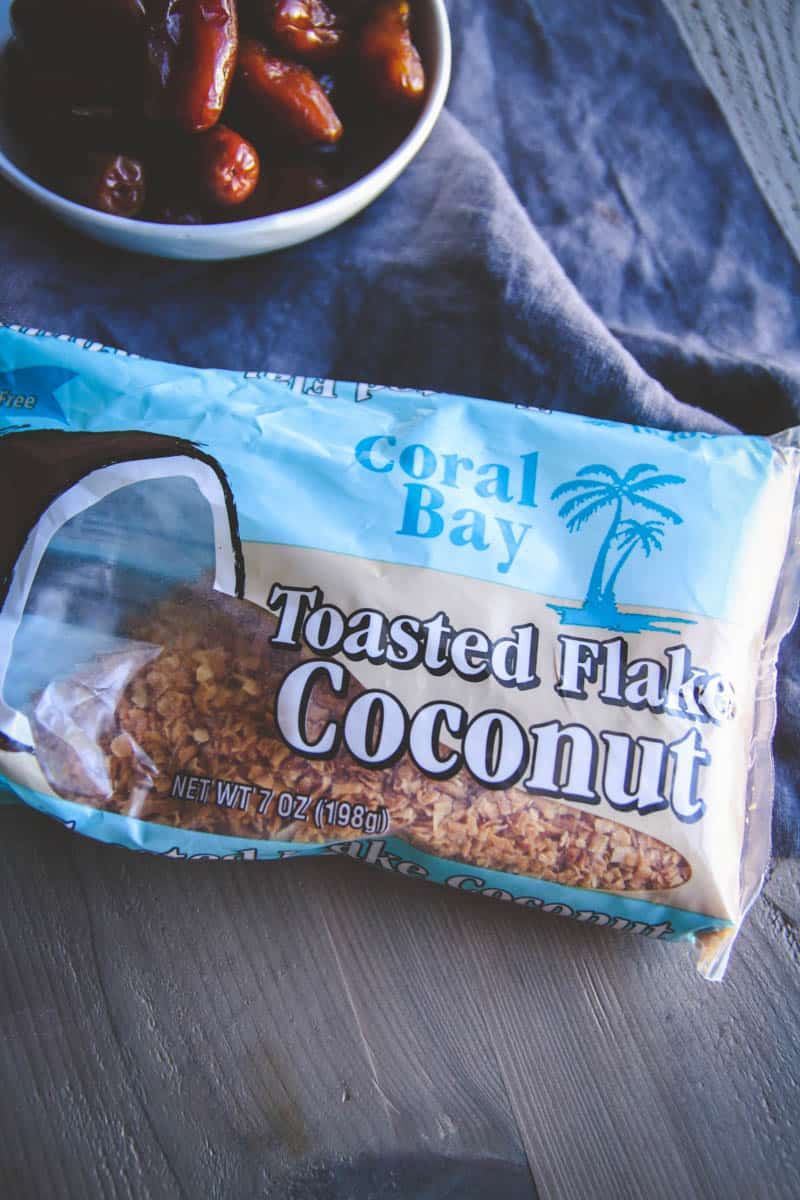 The best enery bites with toasted coconut