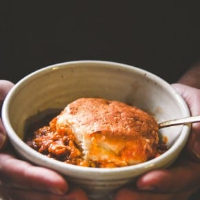5 ingredient pumpkin chili cheese biscuit bake. Perfect for a an easy fall dinner from @sweetphi