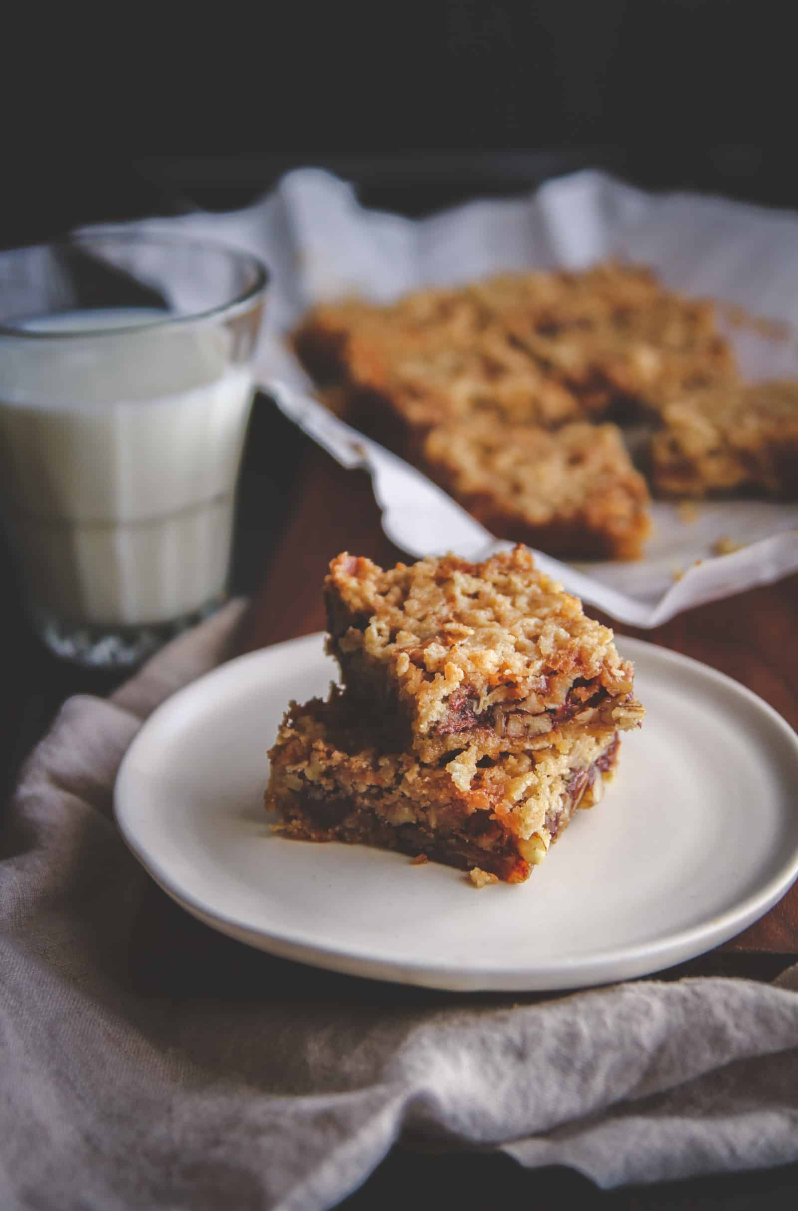 The most delicious pecan pie bars