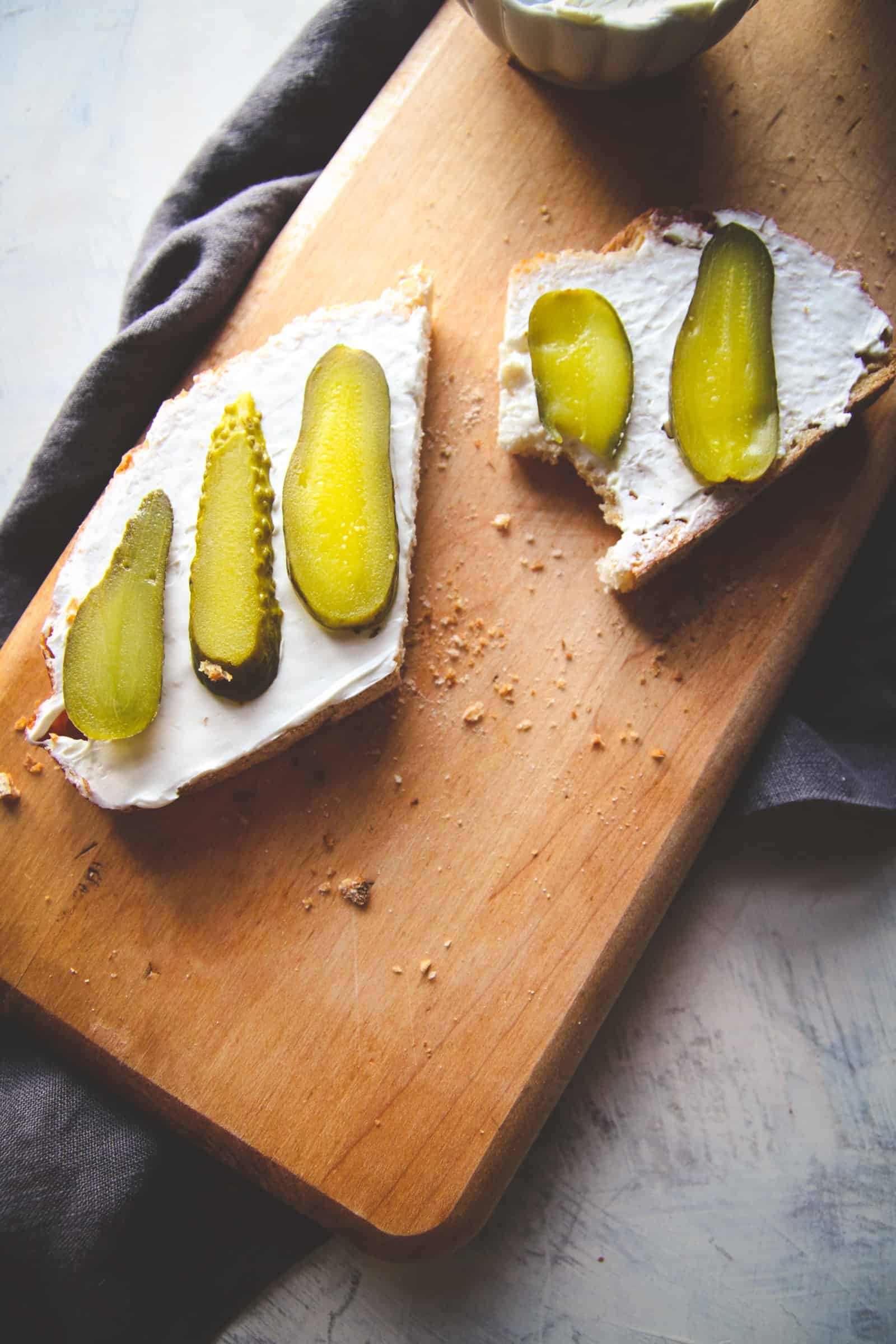 THe most amazing cream cheese and pickles toast recipe