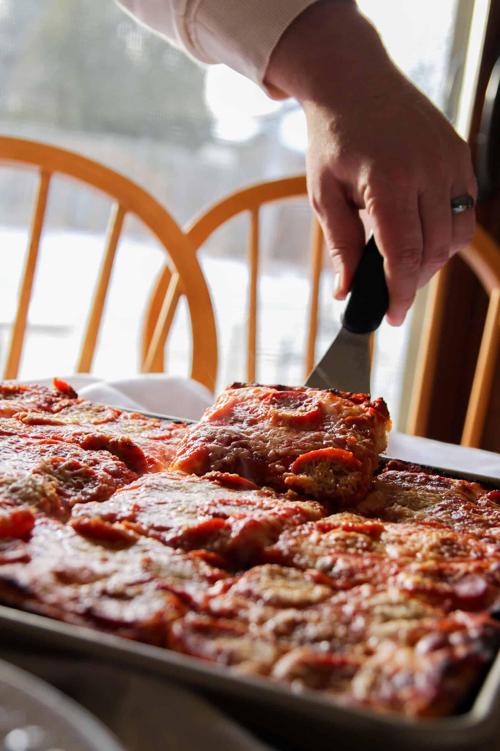 The best family dinner sheet pan pizza
