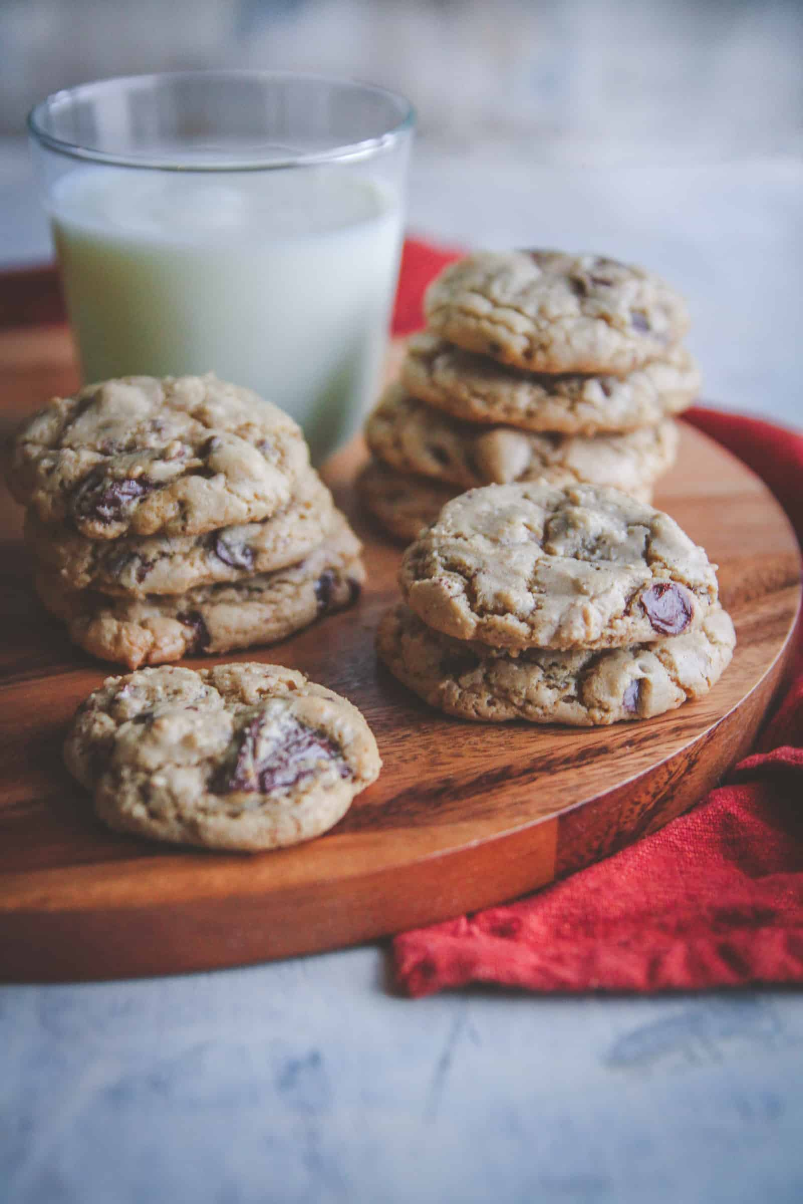 The most amazing Vanilla Bean Chocolate Chunk Cookies