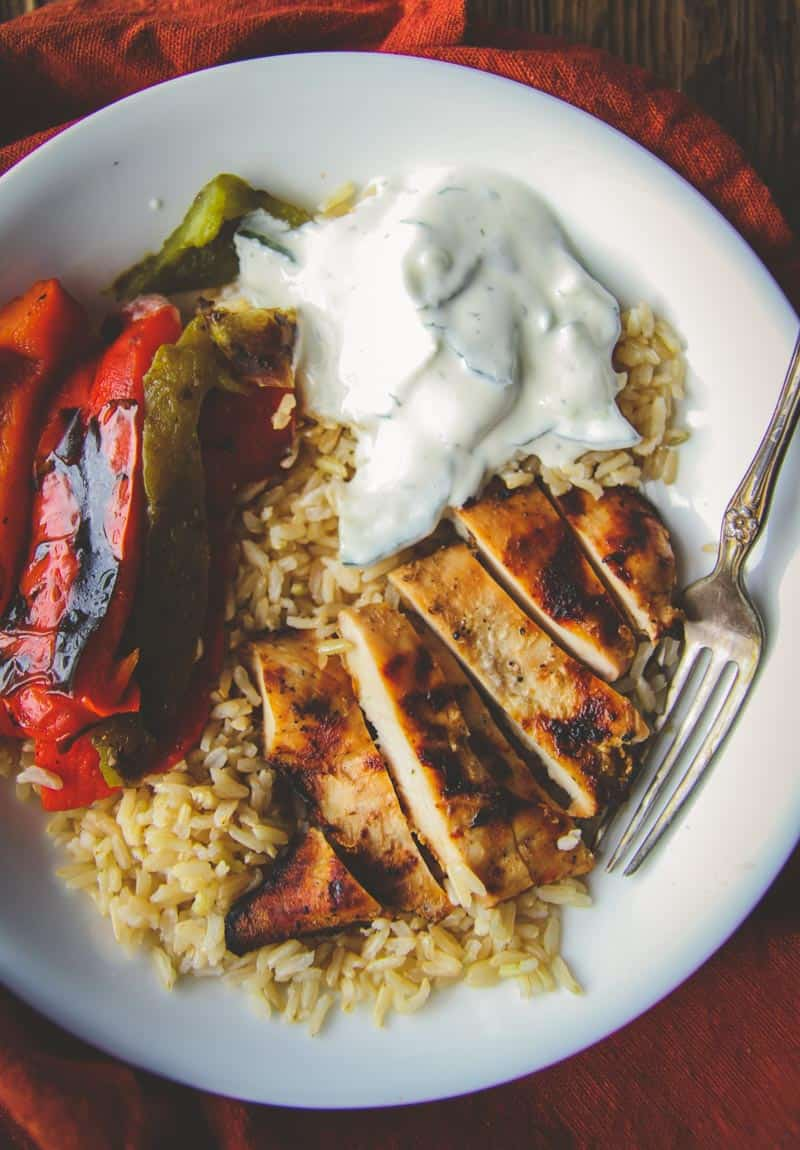 Easy and delicious greek chicken and rice bowls with veggies