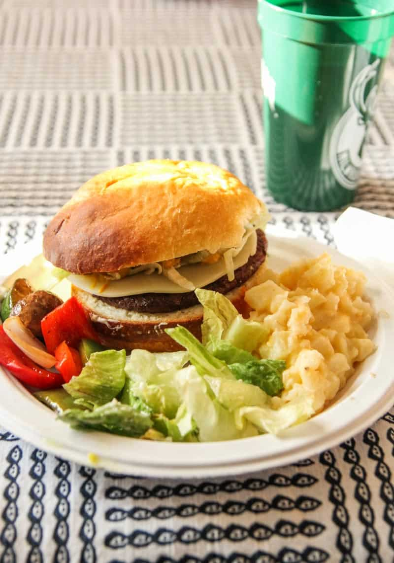 Burgers with cheesy potatoes as a side dish