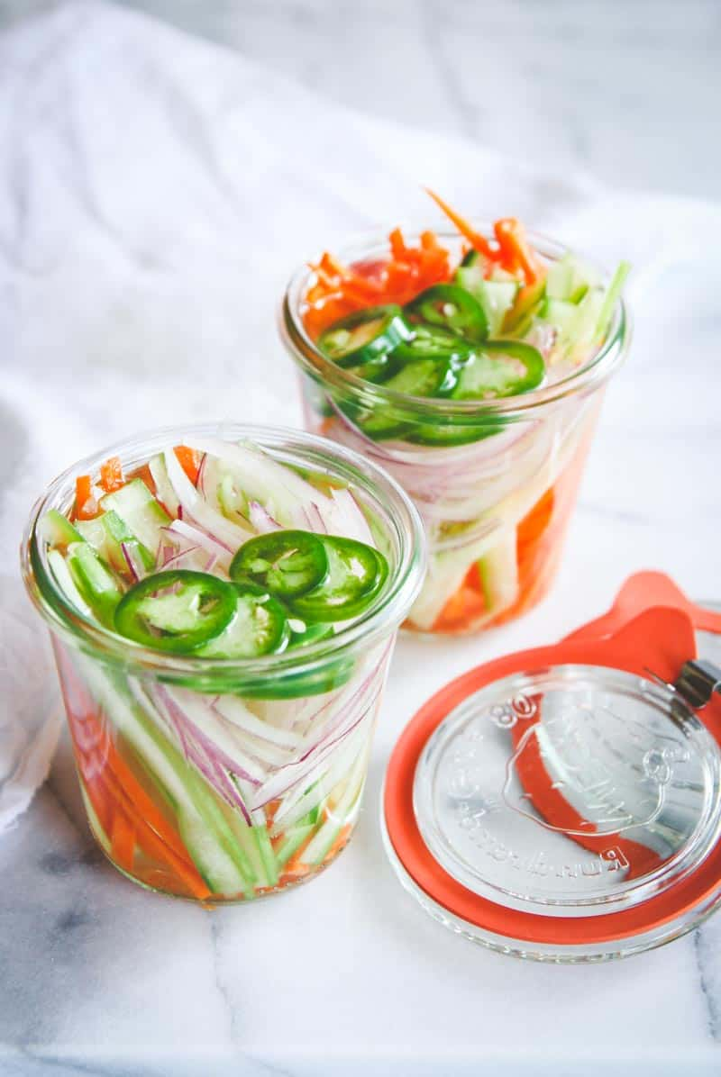 Easy and delicious quick pickled vegetables