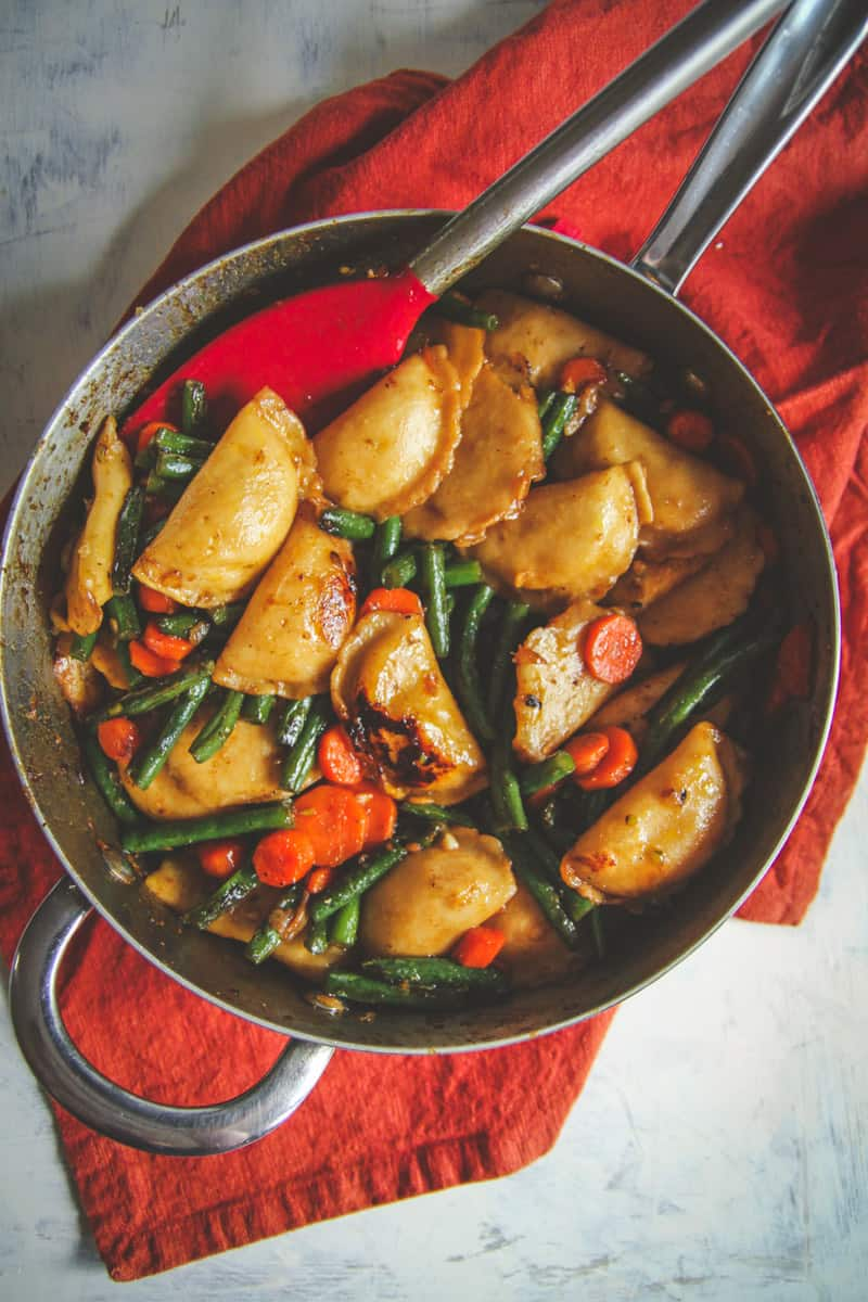 One Pan Vegetarian Dumpling Stir Fry - Sweetphi