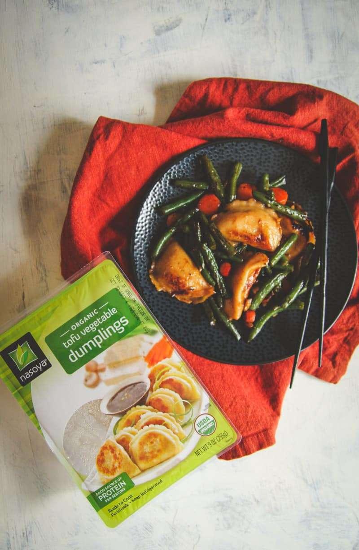 Quick and easy vegetarian dumpling stir fry