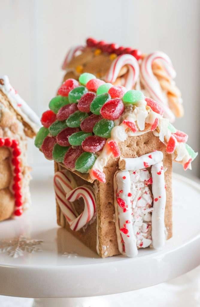 Mini graham cracker houses