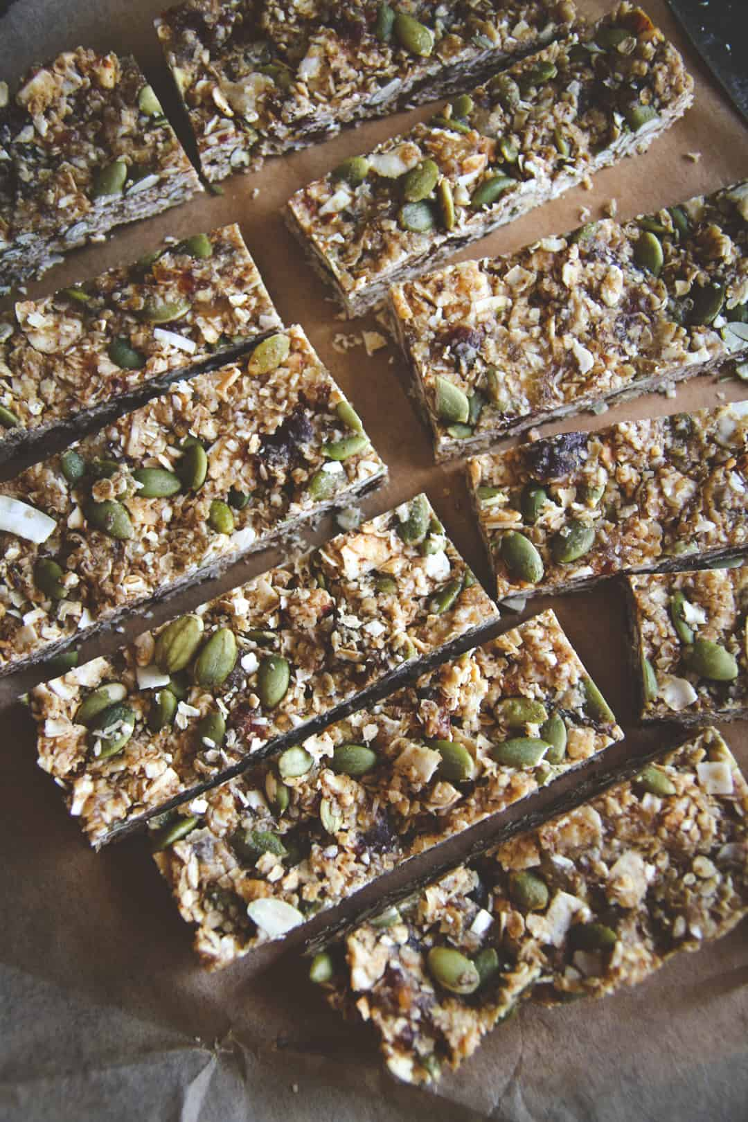 Almond butter granola bars, naturally sweetened gluten free vegan granola bars