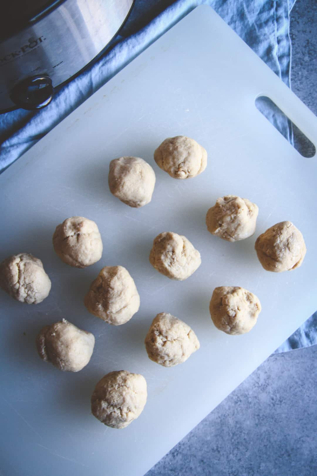 The best dinner rolls made with a slow cooker