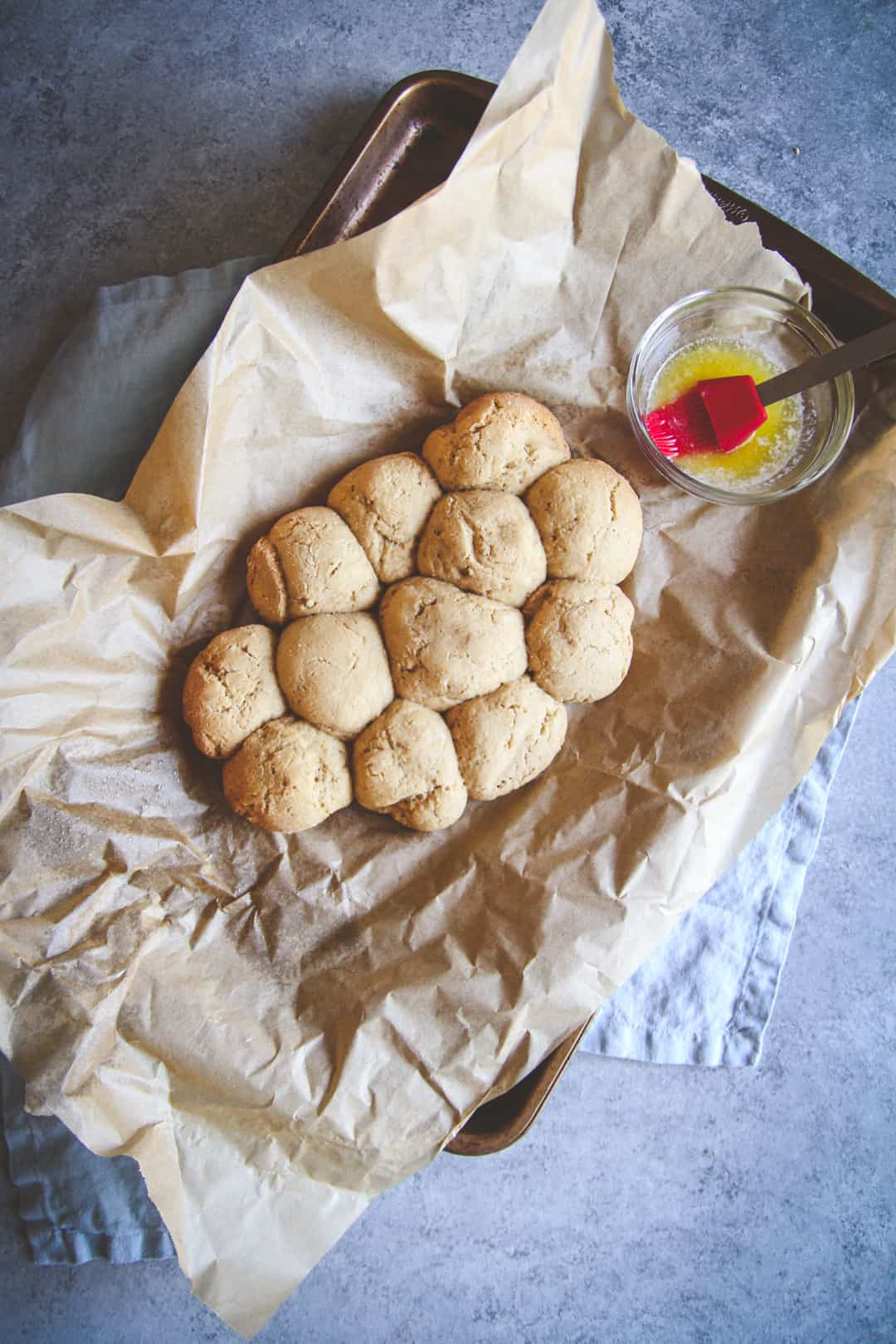 whole wheat dinner rolls made in a slow cooker from @sweetphi, whole wheat dinner rolls recipe made in a slow cooker perfect for a dinner or brunch menu