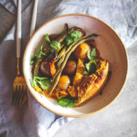 Healthy crockpot turmeric chicken vegetables and potatoes recipe, healthy turmeric chicken dinner recipe, turmeric dinner recipe