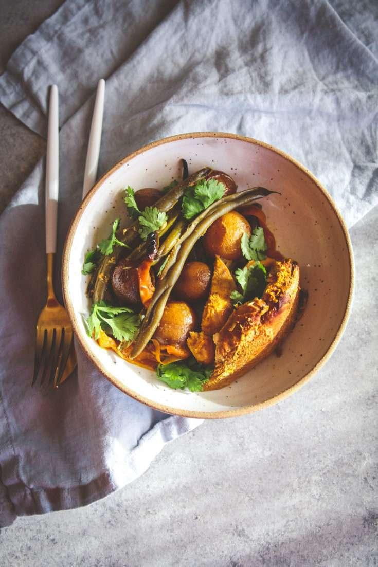 Healthy Crockpot Turmeric Chicken & Potatoes Recipe - Sweetphi