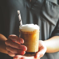 Homemade iced maple latte recipe, how to make a latte at home, fall coffee drink, fall recipe, delicious homemade coffee recipe