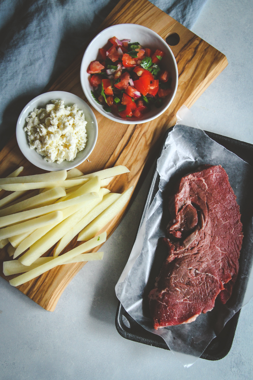 How to make carne asada fries, Carne asada recipe, Skinnytaste one and done recipe, skinnytaste cookbook recipe, one pan sheetpan meal, loaded steak fries, healthy steak fries recipe