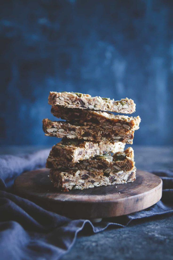 Almond Butter Date Pepita Granola Bars Recipe