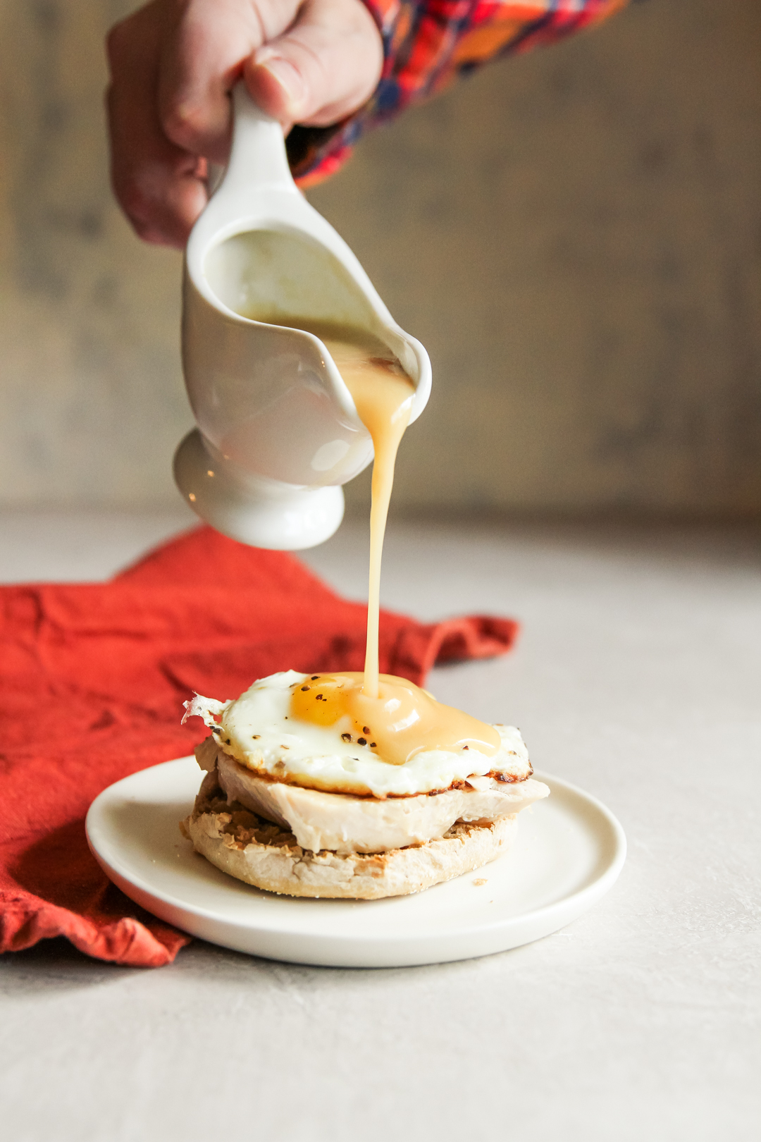 Easy and delicious turkey and egg breakfast sandwich