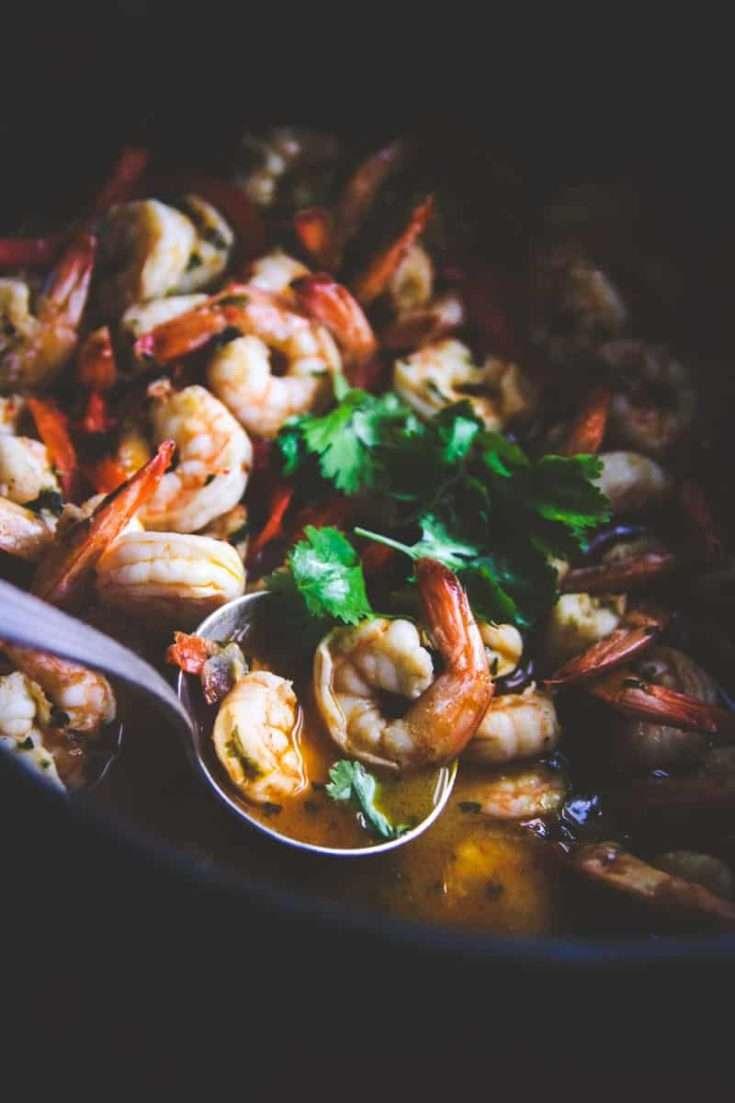 White wine garlic chili shrimp {15 minute dinner}