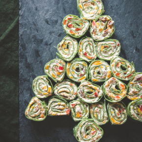 Christmas Tree Appetizer-Cheddar Bacon Ranch Pinwheel Wraps