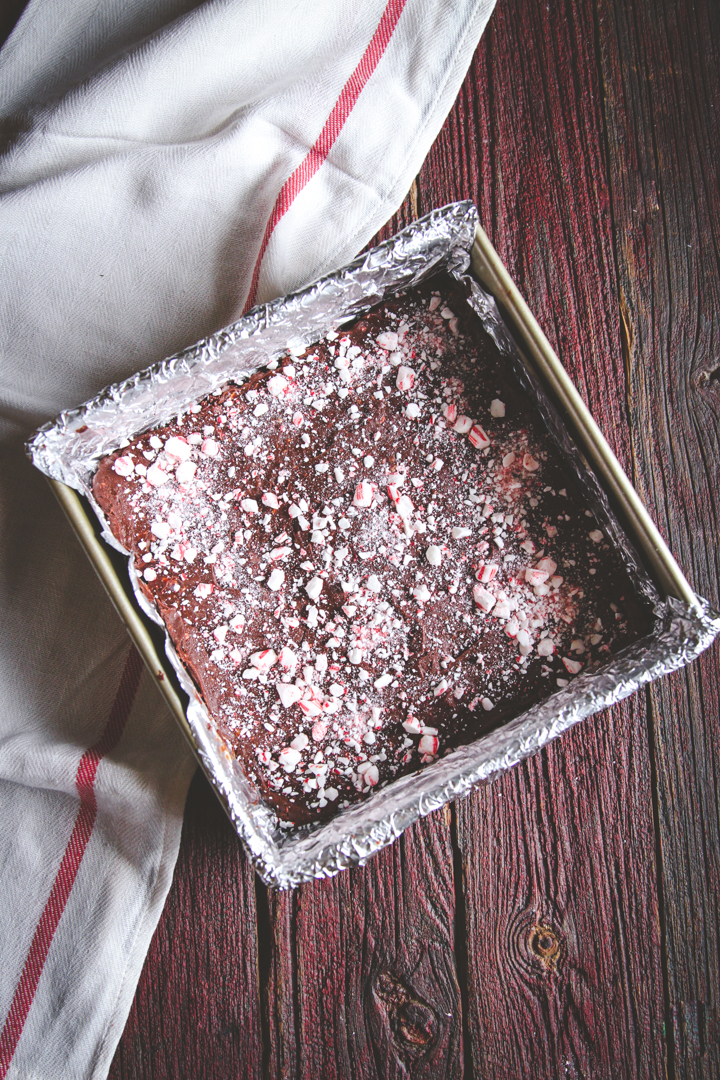 Peppermint fudge - perfect for a food gift, food gifts, homemade gifts, food christmas gifts