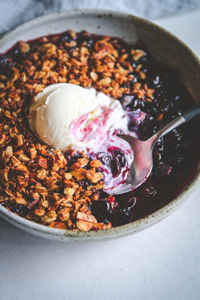 The best blueberry crisp dessert recipe on the stovetop