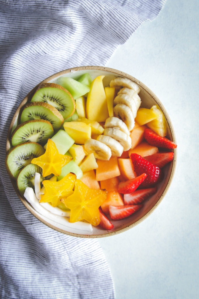 How to make an instagram-worthy fruit bowl, insta-worthy fruit bowl, pretty fruit bowl, fruit salad, how to make a fancy fruit salad