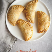 5 ingredient Cuban air fryer empanadas recipe, air fryer empanadas, Cuban empanadas, Air fryer recipes, 5 ingredient appetizer, 5 ingredient recipe