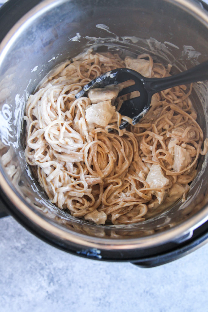 The best chicken fettuccine alfredo made in an instant pot