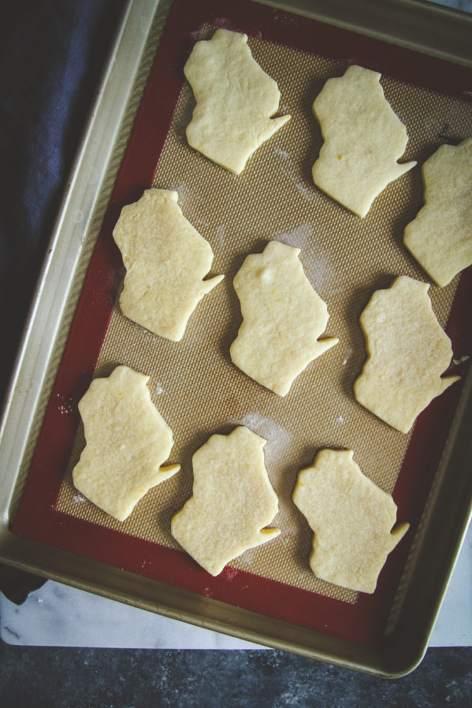 State shaped cookies, city love cookies, state love cookies, sugar cut out cookies, sugar cookies that hold their shape, cut out cookies that hold shapes, sugar cut out cookies for frosting