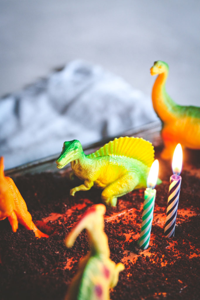 Easy homemade chocolate cake with frosting, homemade chocolate cake, easy chocolate birthday cake, homemade birthday cake, dinosaur birthday cake, easy dinosaur cake, 2 year old boy birthday cake