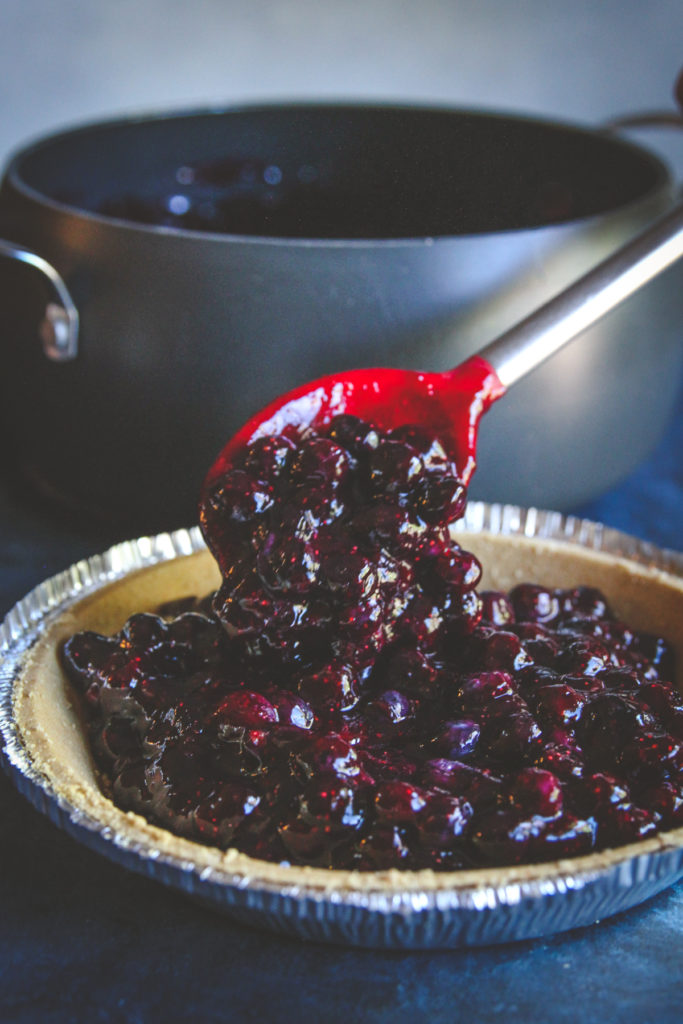 5 ingredient blueberry pie filling recipe made with graham cracker crust