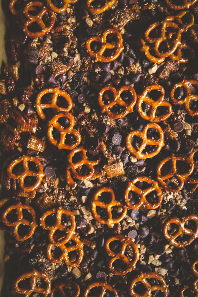 chocolate turtle chex mix recipe, an easy holiday snack recipe,