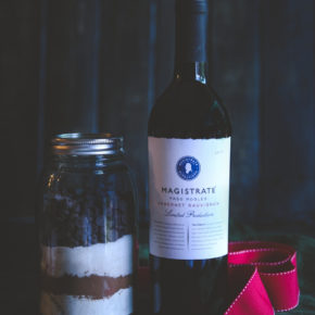Red wine brownies in a jar, a perfect food gift