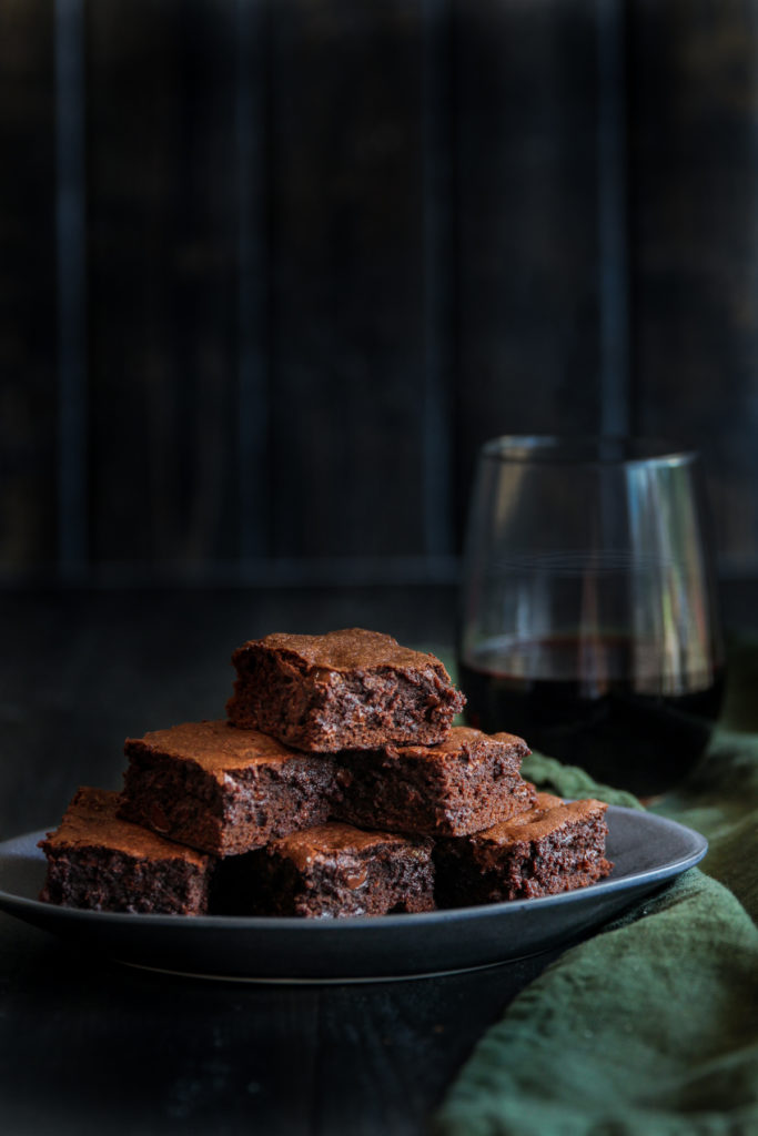 Red wine brownies in a jar food gift